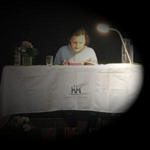 It-girl, Fliegenlernen und dinner in the Dark